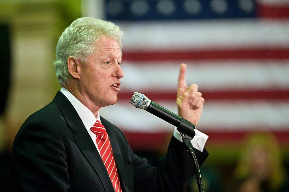 Was Bill Clinton In The Military